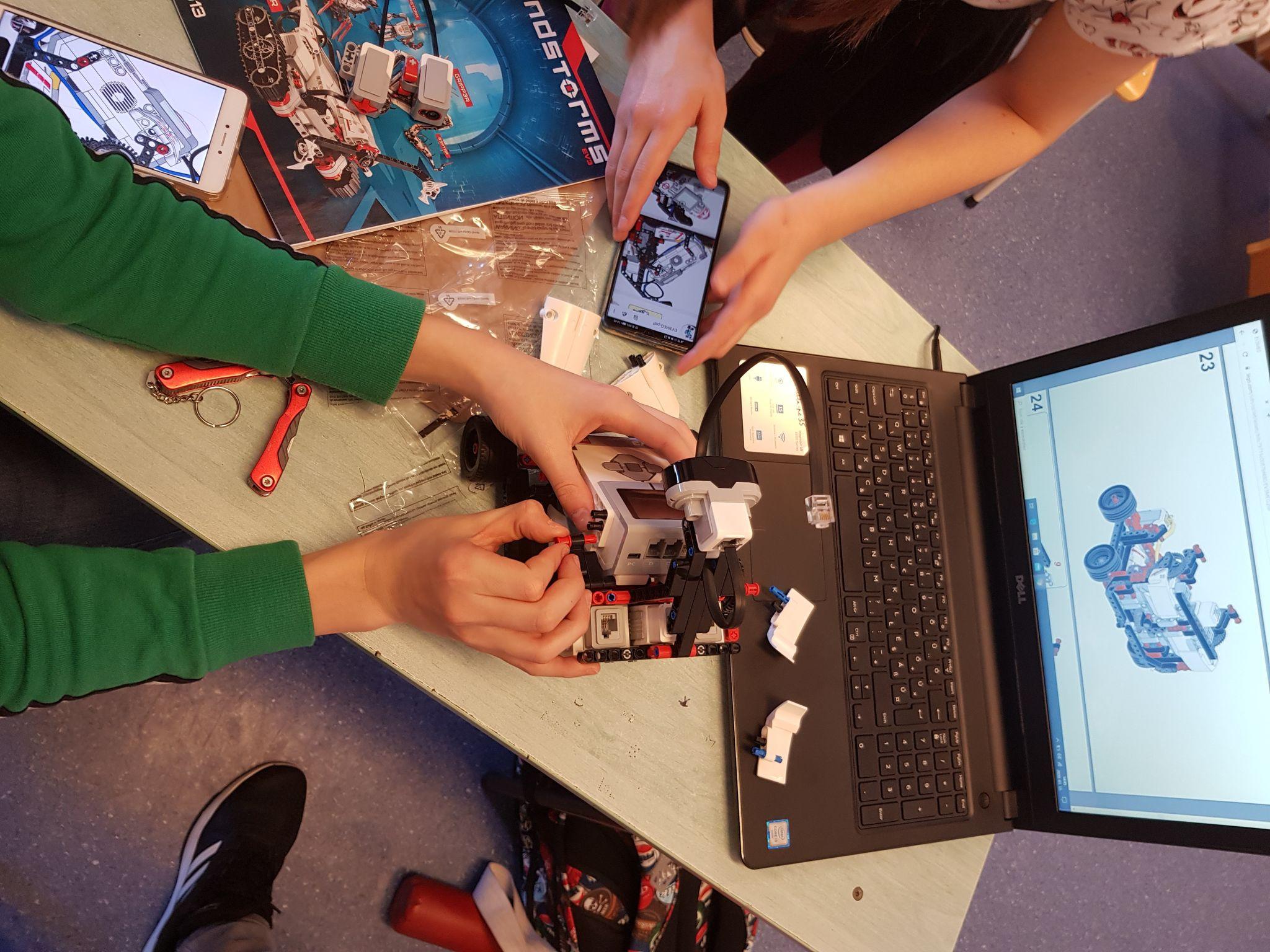 Lego robot tehetségműhely